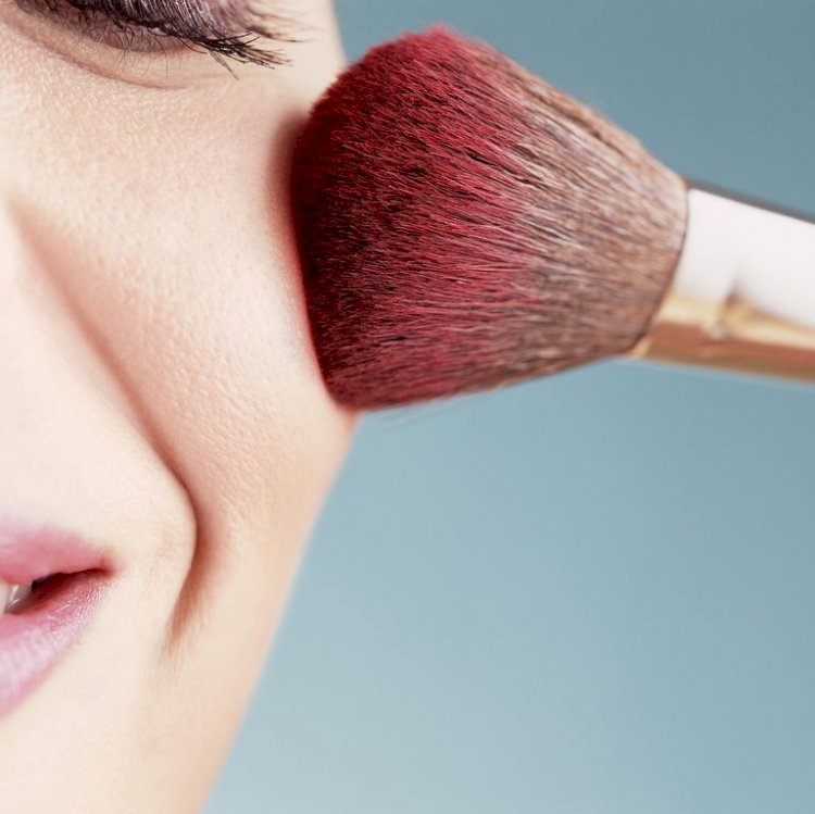 14 Tips for Applying Blush Perfectly, Every Single Time