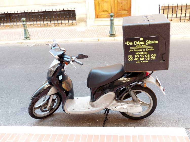 Building a delivery service: specialist or broad?